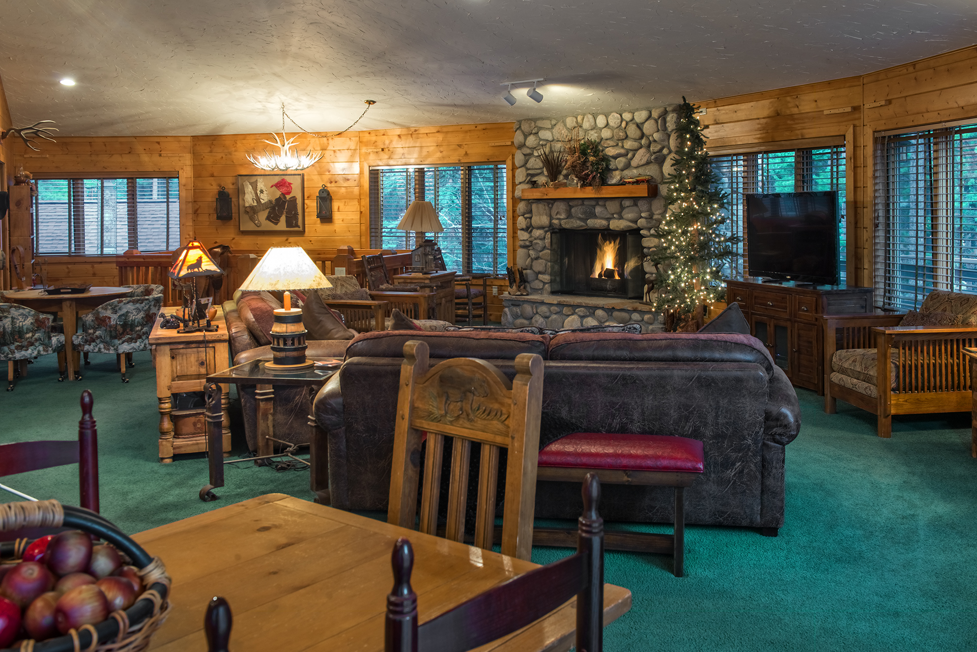 006-Black Bear Lodge