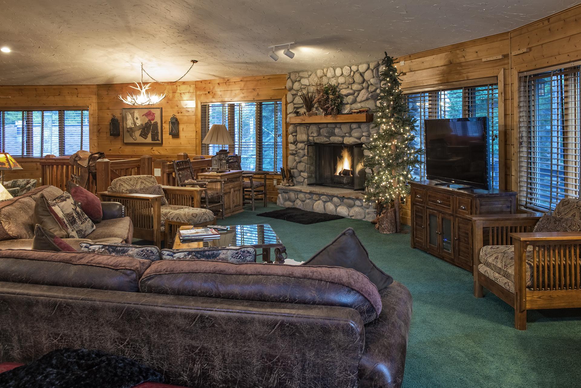 007-Black Bear Lodge