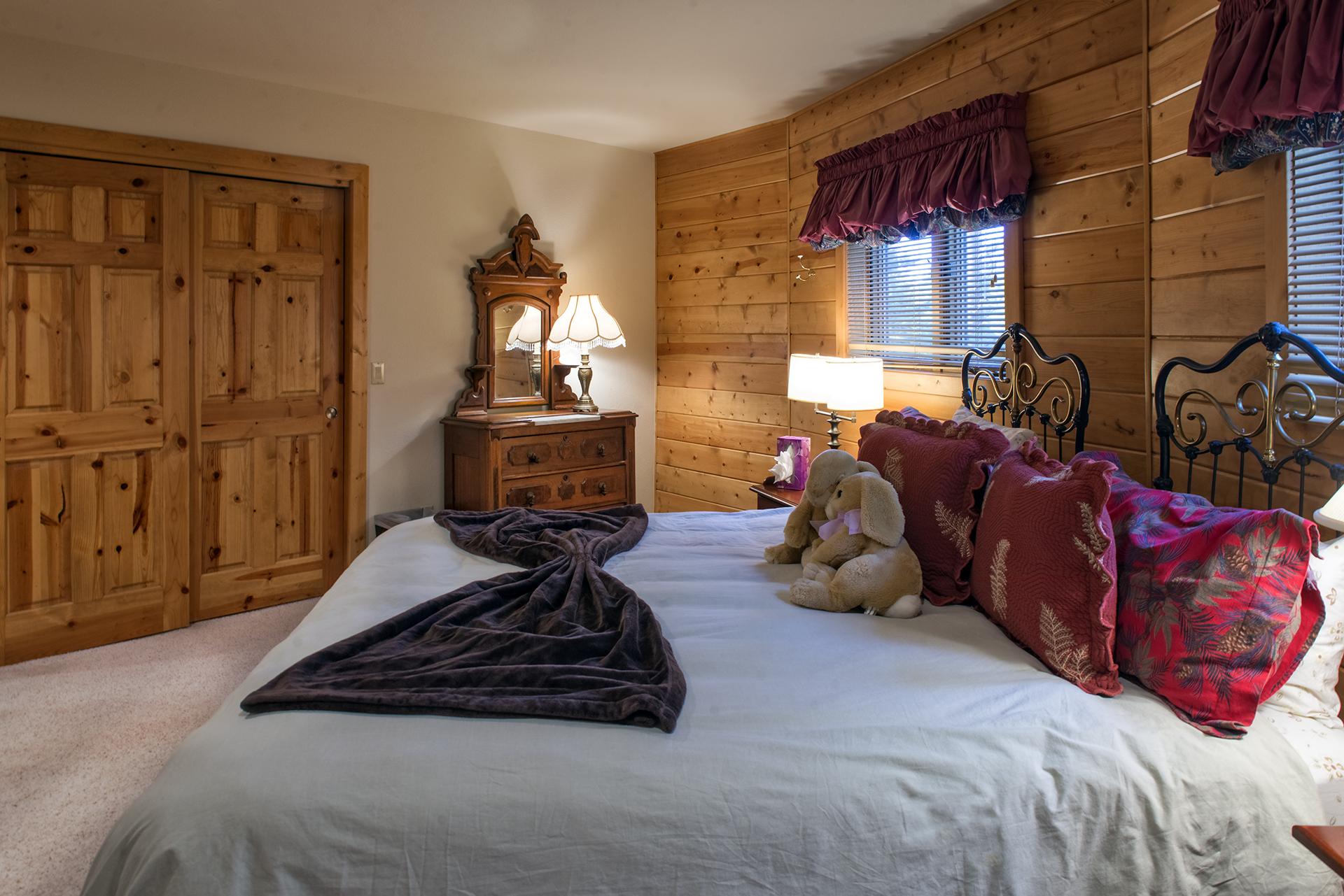 018-Black Bear Lodge